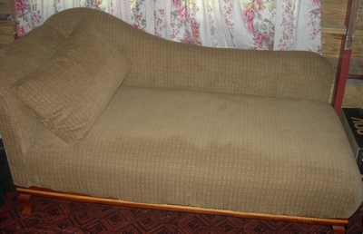 Cleopatra lounge couch trinidad classifieds for Cleopatra sofa bed