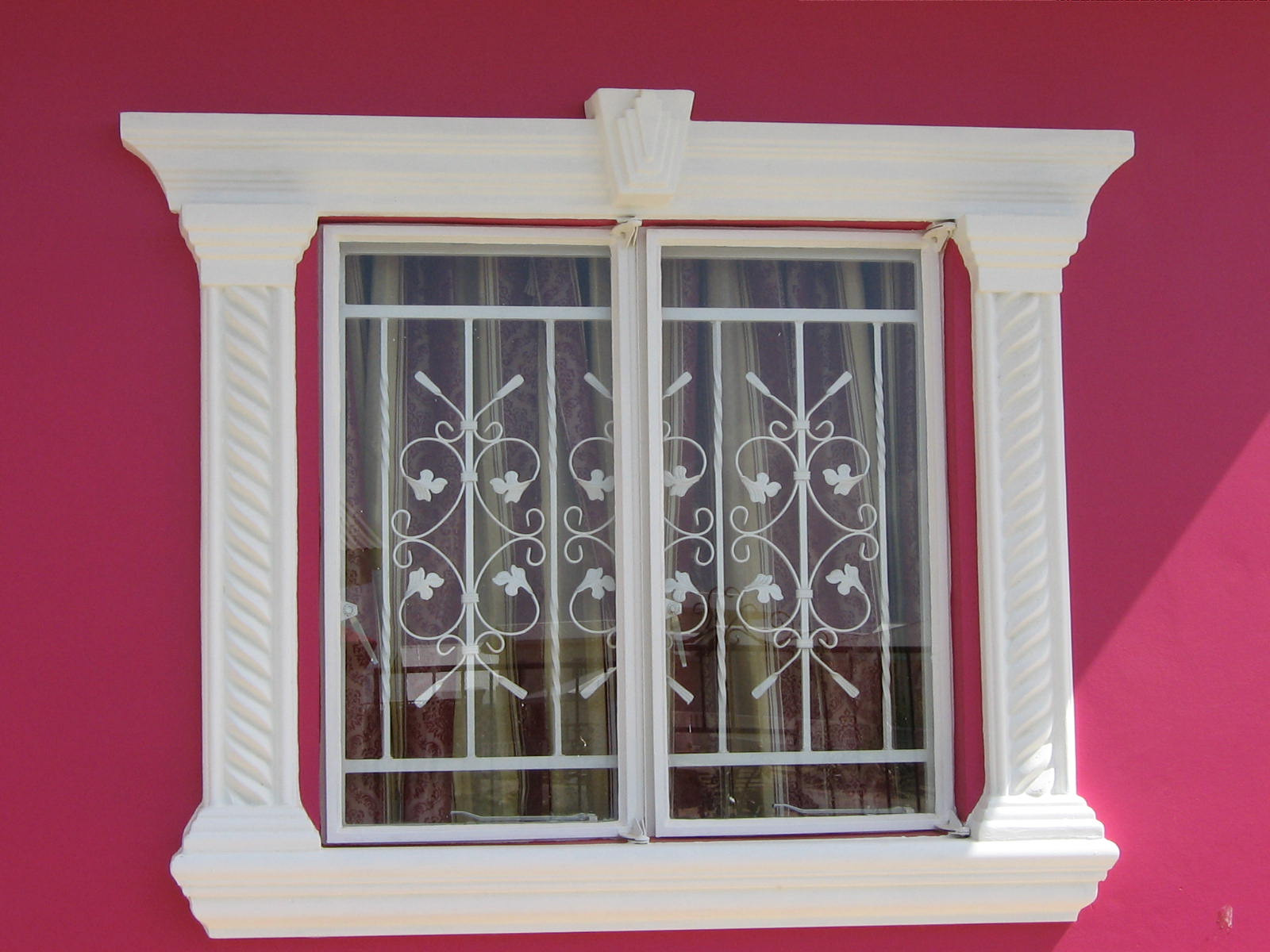 Window molding design manificent nice exterior window for Window design molding